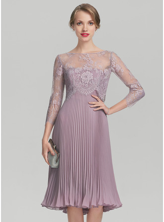 Sweetheart Knee-Length Chiffon Mother of the Bride Dress With Pleated