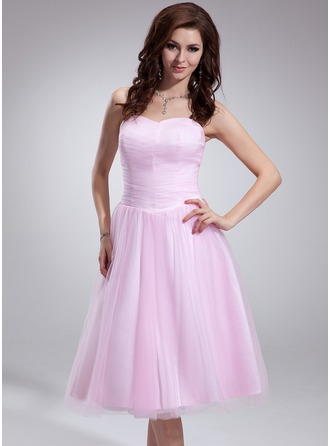A-Line/Princess Sweetheart Tea-Length Tulle Homecoming Dress With Ruffle