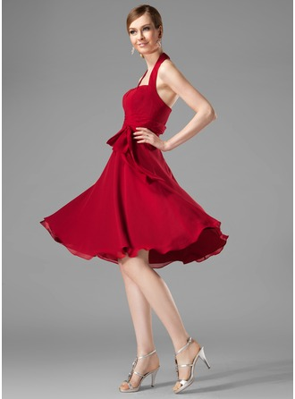 A-Line/Princess Halter Knee-Length Chiffon Cocktail Dress With Ruffle Bow(s)