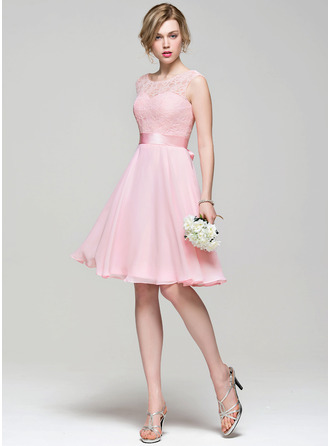 Scoop Neck Knee-Length Chiffon Lace Bridesmaid Dress With Bow(s)