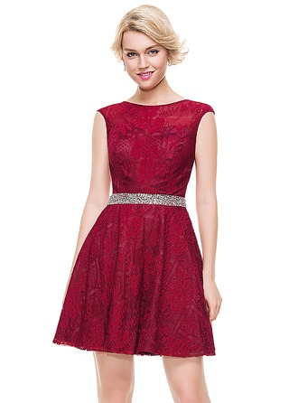 A-Line/Princess Scoop Neck Short/Mini Tulle Lace Homecoming Dress With Beading Sequins