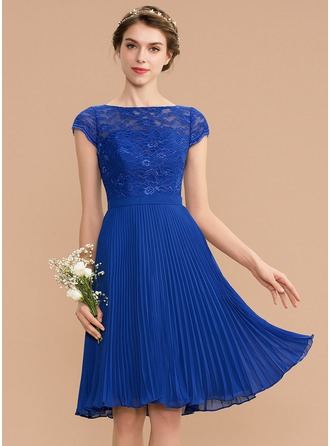Scoop Neck Knee-Length Chiffon Lace Bridesmaid Dress With Pleated