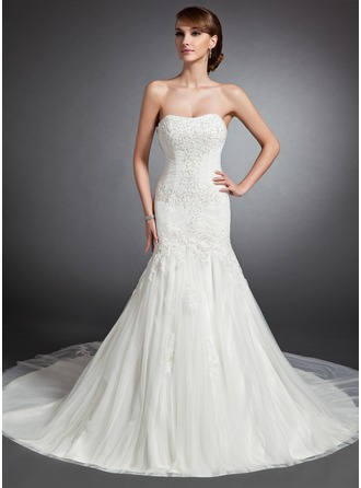 Trumpet/Mermaid Sweetheart Cathedral Train Tulle Wedding Dress With Ruffle Lace Beading