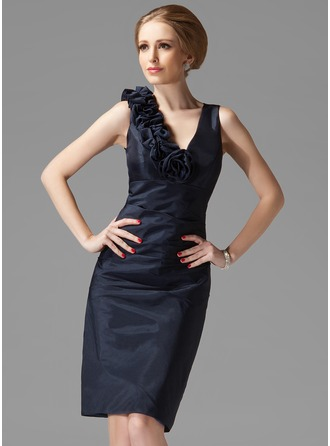 Sheath/Column V-neck Knee-Length Taffeta Mother of the Bride Dress With Ruffle Flower(s)