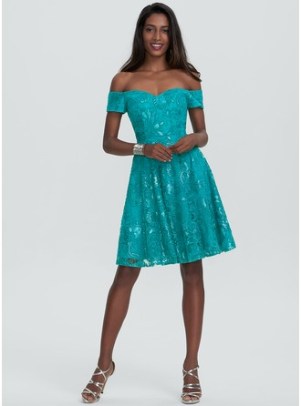 A-Line/Princess Off-the-Shoulder Knee-Length Lace Homecoming Dress With Sequins