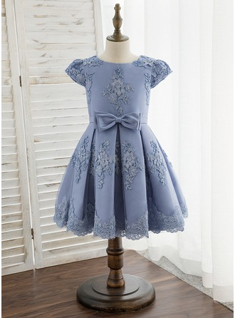 Knee-length Flower Girl Dress - Satin Lace Short Sleeves Scoop Neck With Bow(s)