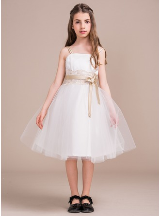 A-Line/Princess Knee-Length Tulle Junior Bridesmaid Dress With Lace Appliques Lace Bow(s)