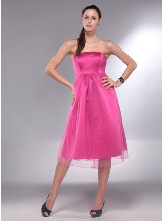 A-Line/Princess Strapless Knee-Length Satin Maternity Bridesmaid Dress With Ruffle