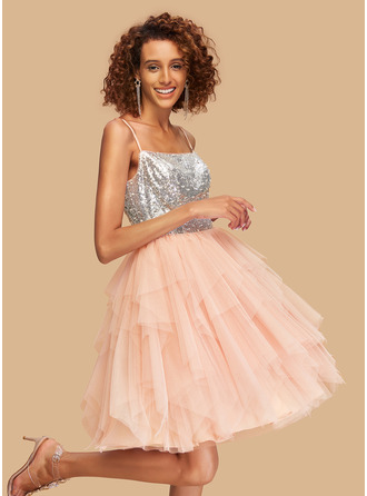 Ball-Gown/Princess Square Neckline Knee-Length Tulle Homecoming Dress With Sequins