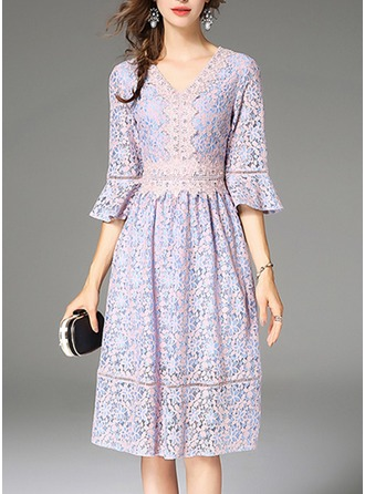 Lace With Lace/Stitching/Embroidery/Hollow/Crumple/Ruffles Knee Length Dress