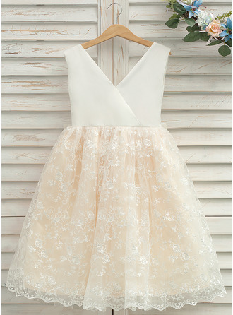 Knee-length Flower Girl Dress - Tulle Lace Sleeveless V-neck
