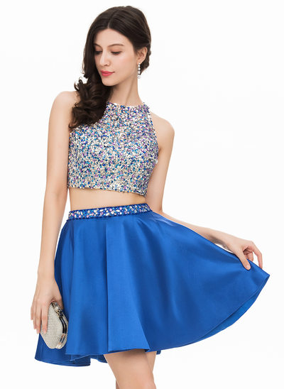 A-Line/Princess Scoop Neck Short/Mini Satin Homecoming Dress With Beading Sequins