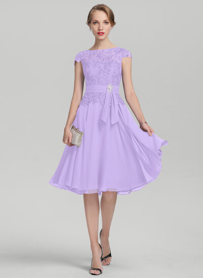 A-Line Scoop Neck Knee-Length Chiffon Lace Mother of the Bride Dress With Beading
