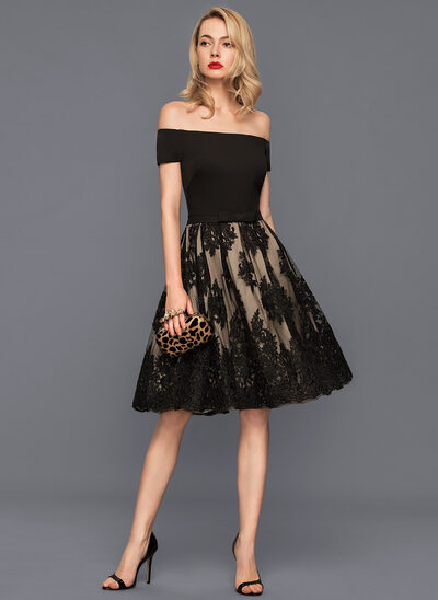 A-Line/Princess Off-the-Shoulder Knee-Length Tulle Lace Homecoming Dress With Bow(s)
