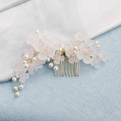 Ladies Beautiful Combs & Barrettes (Sold in single piece)