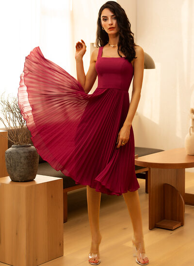 A-Line Square Neckline Knee-Length Chiffon Homecoming Dress With Pleated