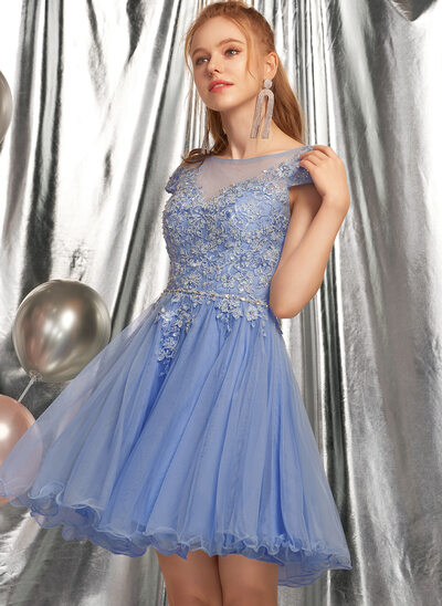 A-Line Scoop Neck Short/Mini Homecoming Dress With Beading Appliques Lace