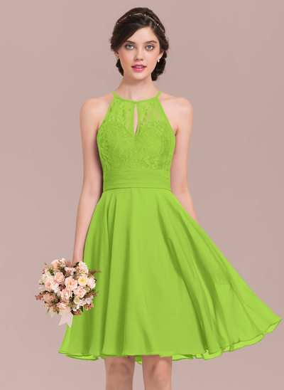 A-Line/Princess Scoop Neck Knee-Length Chiffon Lace Bridesmaid Dress With Ruffle Bow(s)