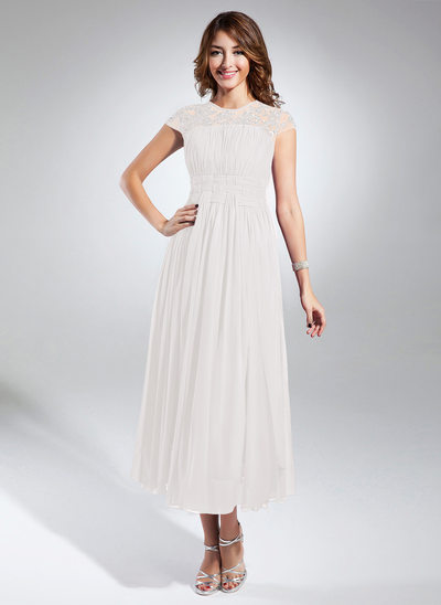 A-Line/Princess Scoop Neck Tea-Length Chiffon Homecoming Dress With Ruffle Beading Appliques Lace
