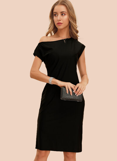 Sheath/Column Off-the-Shoulder Knee-Length Cocktail Dress