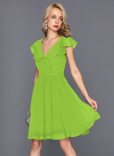 A-Line/Princess V-neck Knee-Length Chiffon Homecoming Dress With Cascading Ruffles