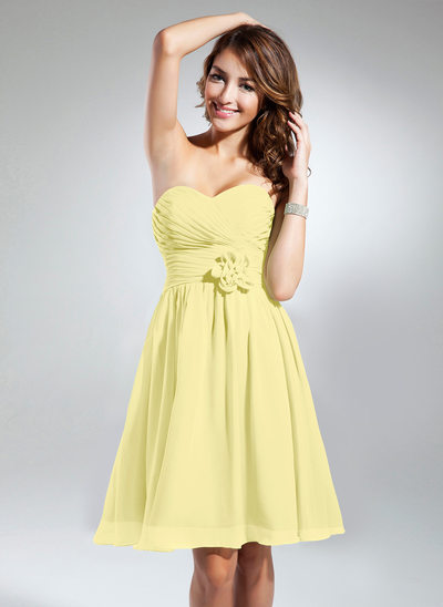 A-Line Sweetheart Knee-Length Chiffon Bridesmaid Dress With Ruffle Flower(s)