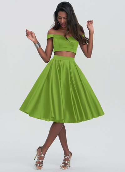A-Line Sweetheart Off-the-Shoulder Knee-Length Satin Homecoming Dress