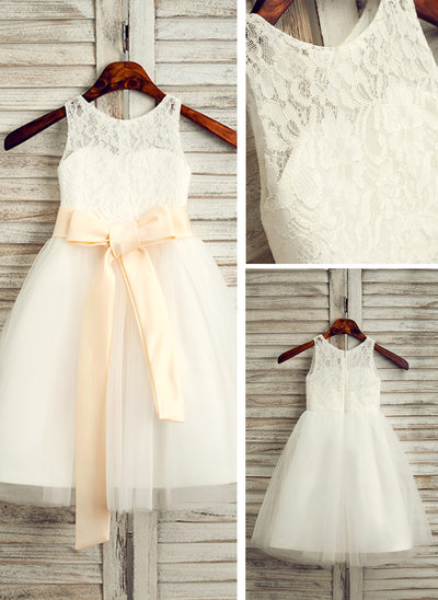 A-Line/Princess Scoop Neck Tea-Length Tulle Junior Bridesmaid Dress With Sash Bow(s)