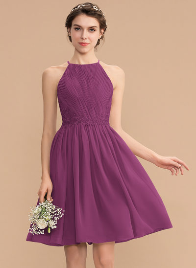 A-Line Scoop Neck Knee-Length Chiffon Lace Bridesmaid Dress With Ruffle