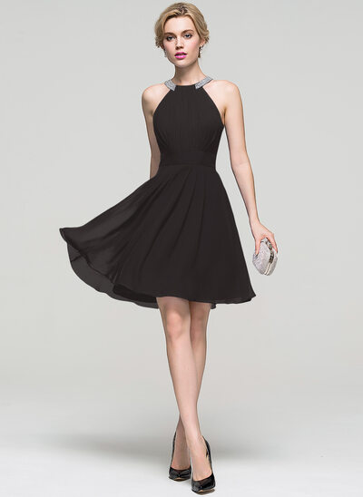 A-Line Scoop Neck Knee-Length Chiffon Homecoming Dress With Ruffle Beading