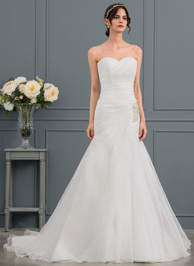 Trumpet/Mermaid Sweetheart Court Train Organza Wedding Dress With Ruffle Beading