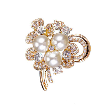 Chic Alloy/Rhinestones/Imitation Pearls With Rhinestone/Imitation Pearls Ladies' Brooch