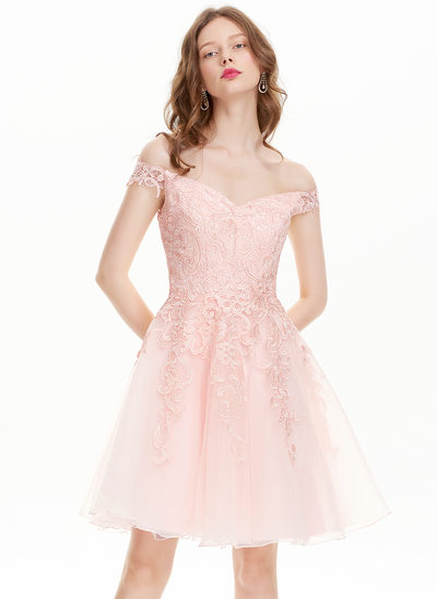 A-Line/Princess Off-the-Shoulder Knee-Length Tulle Lace Homecoming Dress