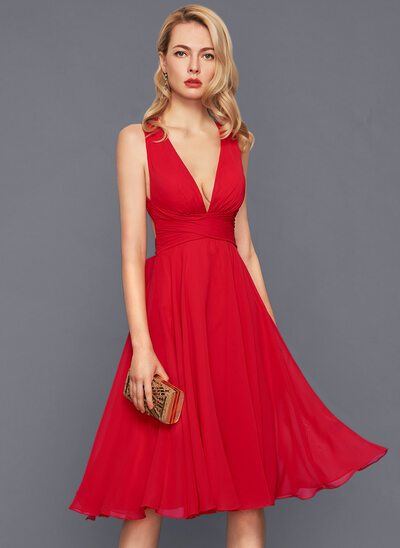 A-Line/Princess V-neck Knee-Length Chiffon Cocktail Dress With Ruffle Bow(s)