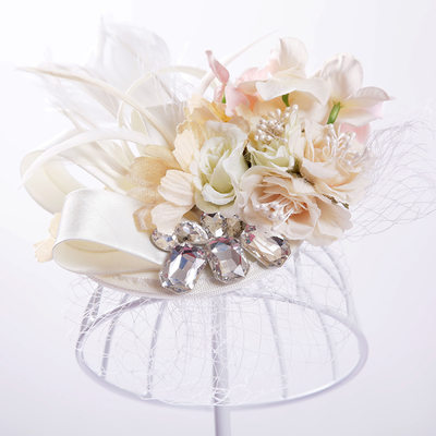 Ladies Pretty Artificial Silk/Tulle Flowers & Feathers