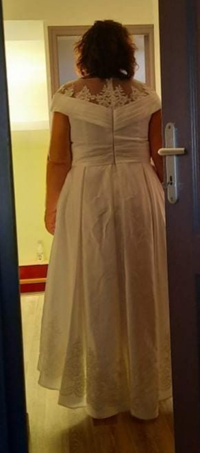 A-Line Scoop Neck Asymmetrical Satin Prom Dresses With Sequins Pockets (018224429)