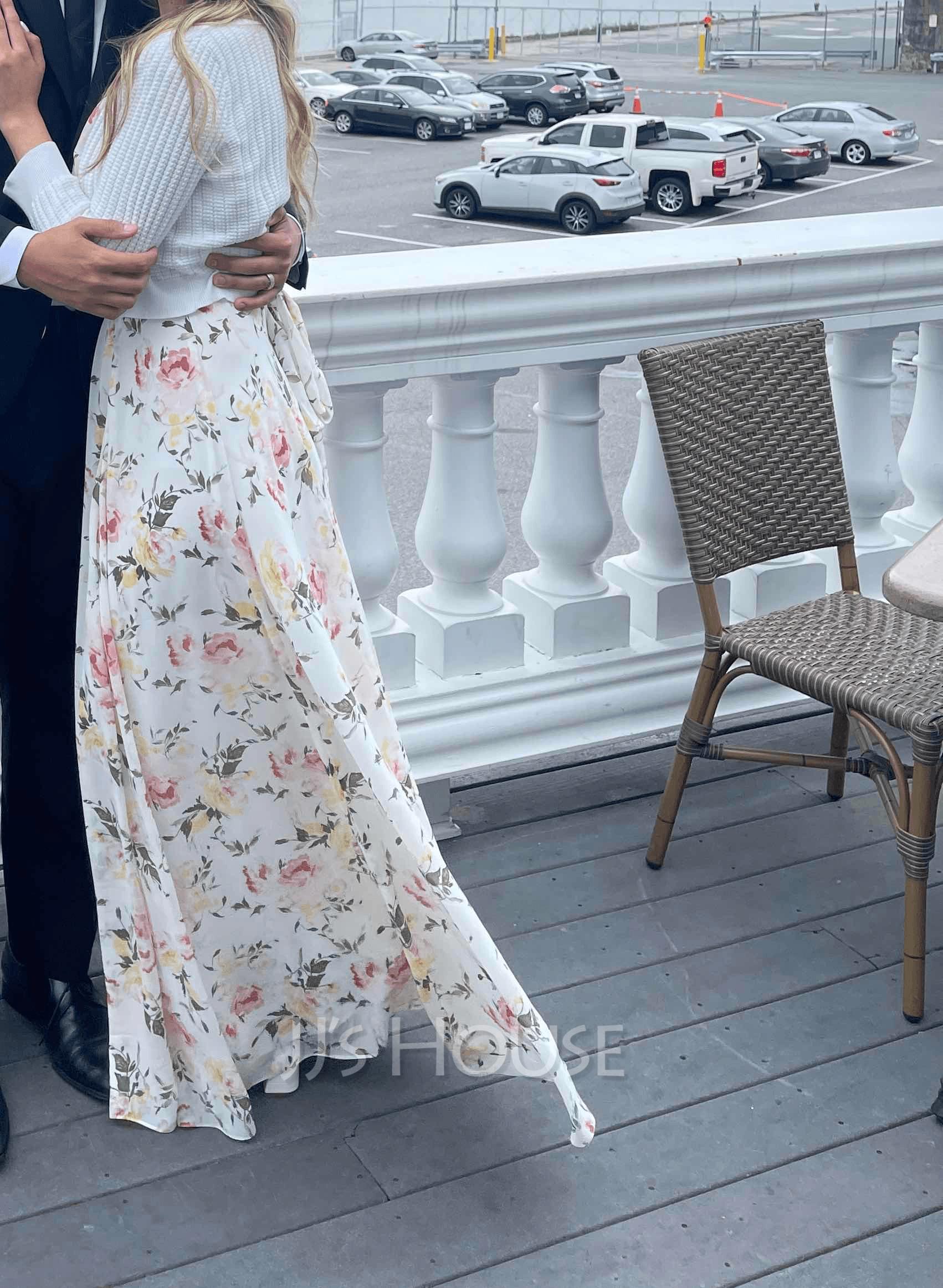 V-neck Floor-Length Bridesmaid Dress
