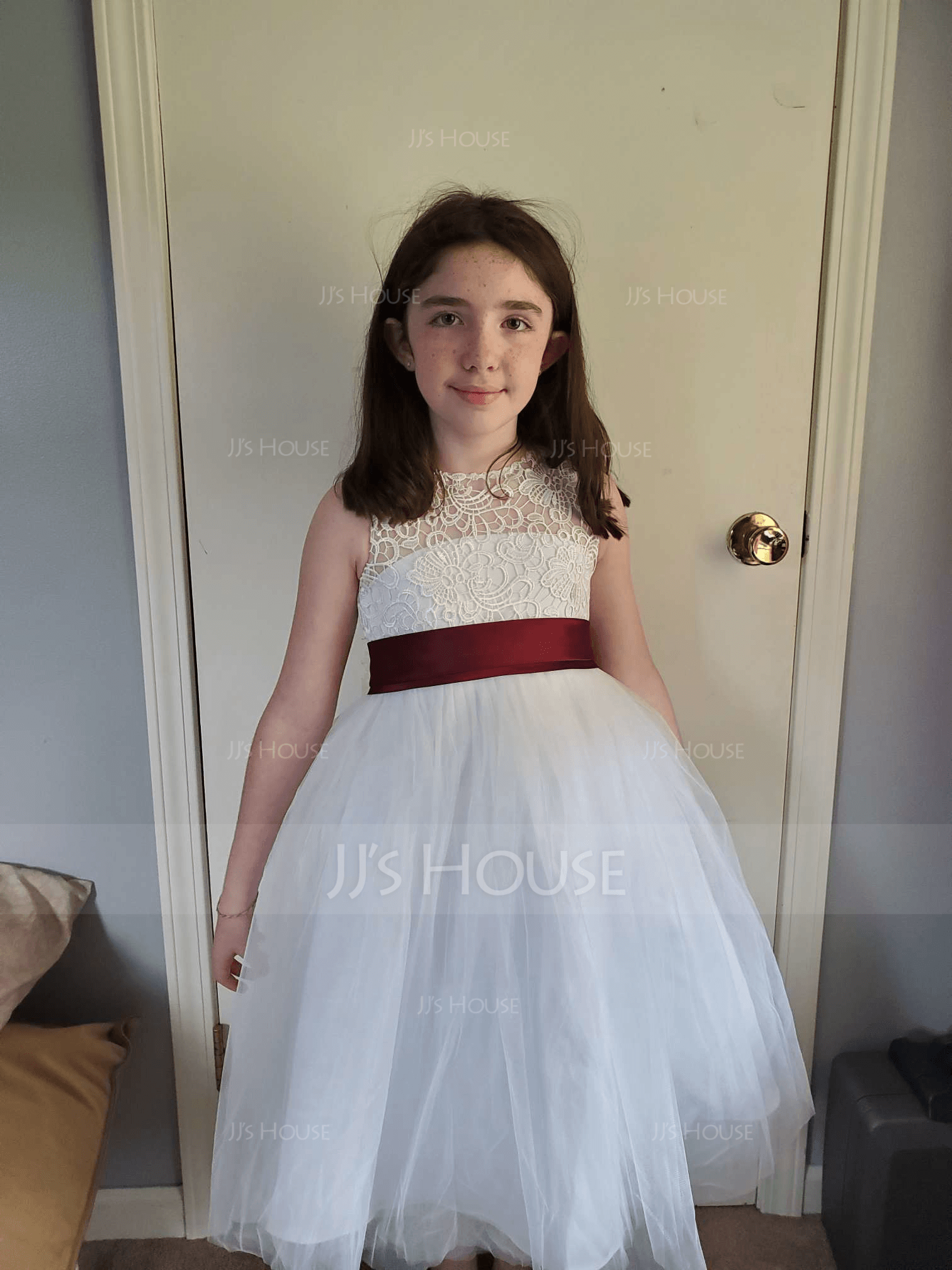A-Line Scoop Neck Knee-Length Tulle Junior Bridesmaid Dress With Sash Bow(s)