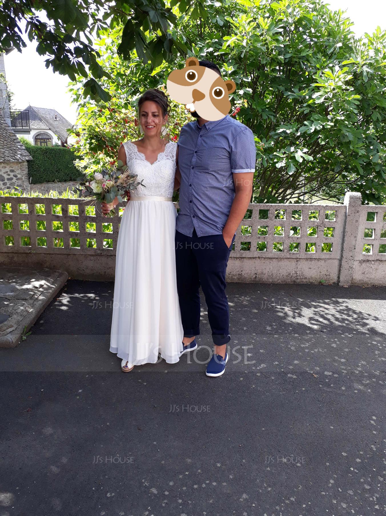 V-neck Court Train Chiffon Wedding Dress (265193239)