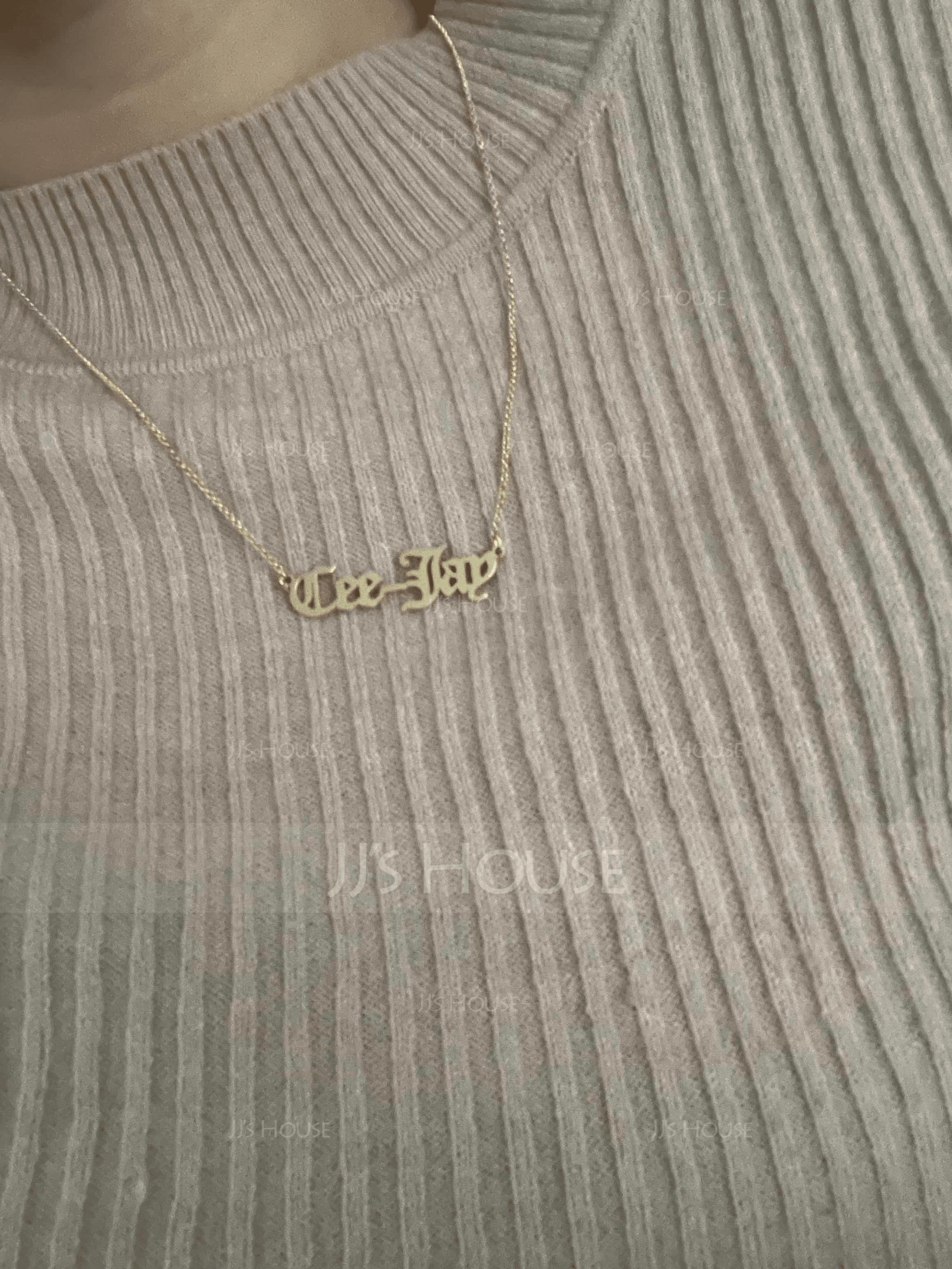 [送料無料]パーソナライズ 18Kゴールドメッキ 古英語 ネームネックレス - 誕生日プレゼント 母の日ギフト