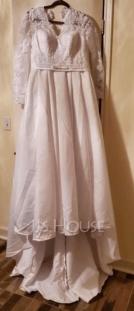 Corte De Baile/Princesa Escote en V Cola corte Satén Vestido de novia con Lazo(s)