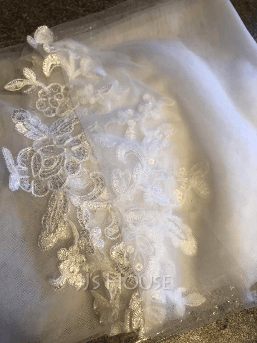 One-tier Cut Edge Chapel Bridal Veils With Applique